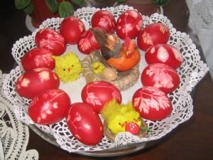 poze-oua-rosii-ornamente-de-pasti